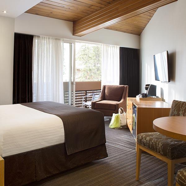 Banff Ski Experience Aspen Lodge hotel