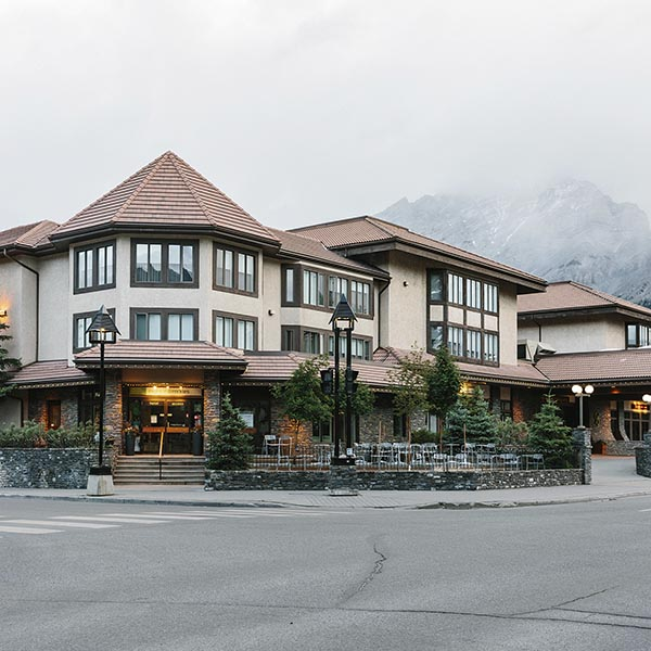 Banff Ski Experience Elk Avenue Hotel